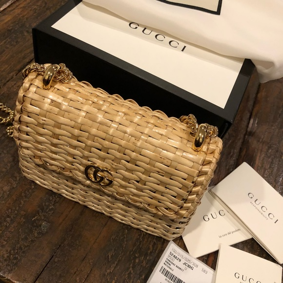 781d25f4396 Gucci Linea Cestino mini web straw bag